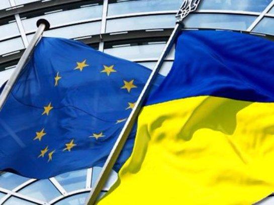 Украине грозит катастрофа, а ЕС не обращает внимание – экс-комиссар ЕС