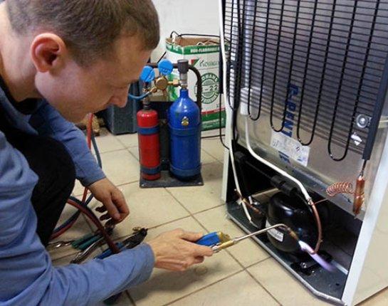 Левит — идеальный ремонт холодильника по доступной цене