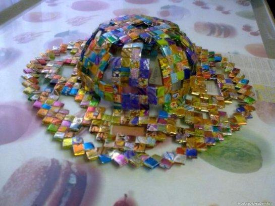 Поделки из фантиков от конфет своими руками