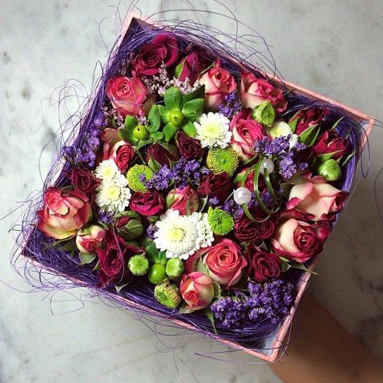 Букет из живых цветов в коробке своими руками 72