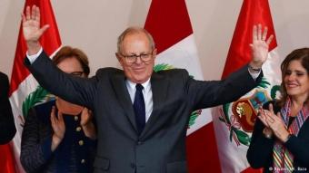 Экс-премьер Перу Кучински победил на президентских выборах