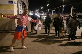 Задержанные в Кельне российские болельщики могут получить 10 лет тюрьмы