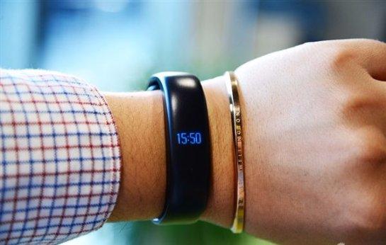 Meizu готовит фитнес-браслет с гибким дисплеем