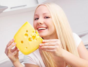 Сыр может предотвратить образование онкологических заболеваний