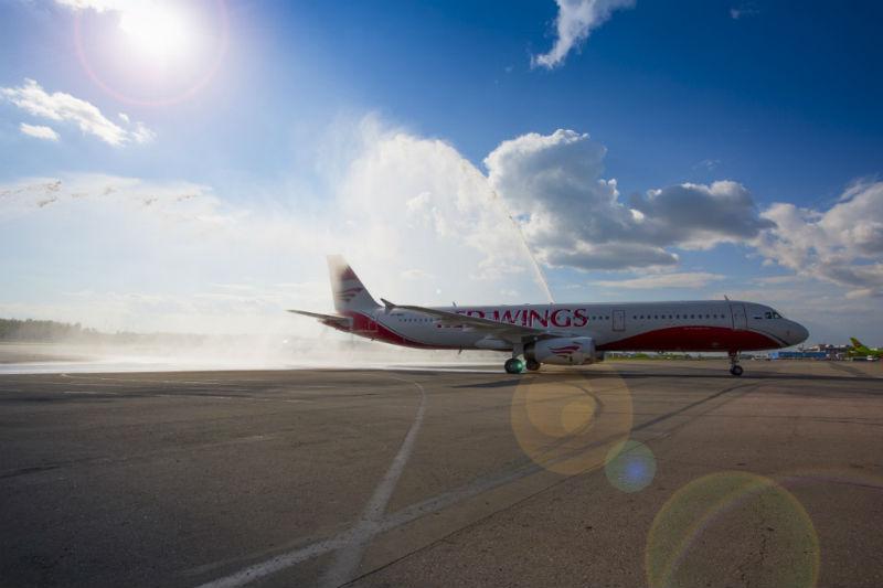 При посадке в Омске у самолета рассыпался тормозной барабан