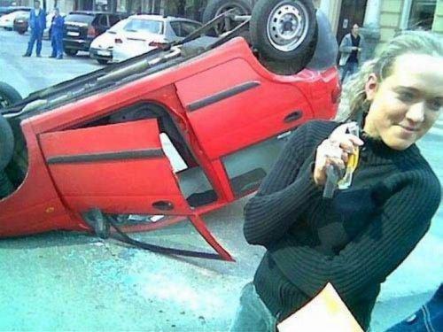 Курьезные снимки из серии «когда за руль садится женщина» (ФОТО)