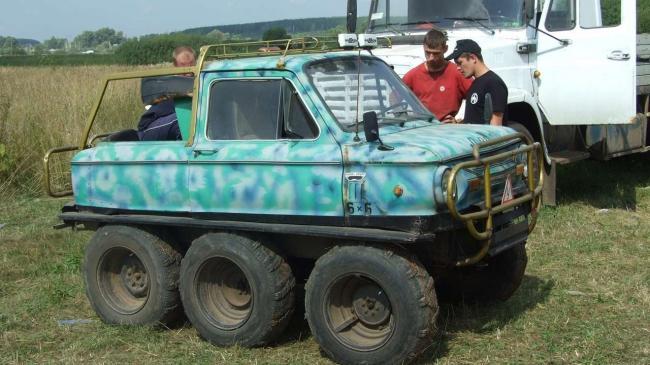 Знай наших: украинец создал автомобиль-амфибию из «Запорожца» (ВИДЕО)