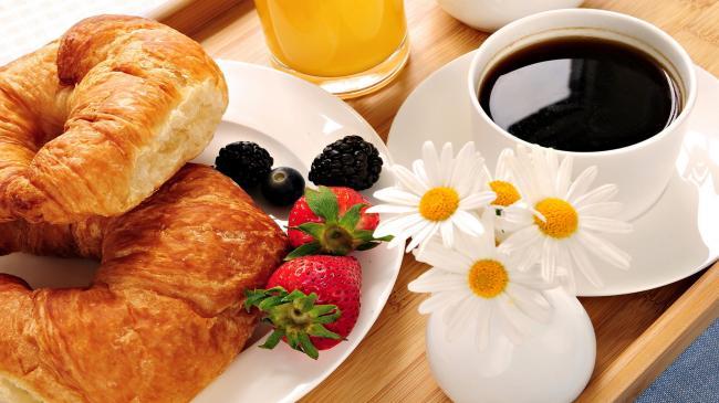 Диетологи определили идеальное время для завтрака