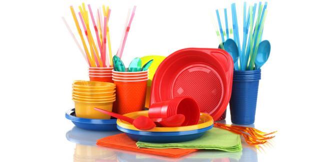 Пластиковая посуда провоцирует онкологию, – ученые