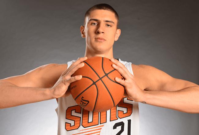 Команда украинского баскетболиста выдала худший старт в истории НБА