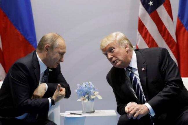 Трамп ушел с торжественного приема во время саммита во Вьетнаме, унизив Путина
