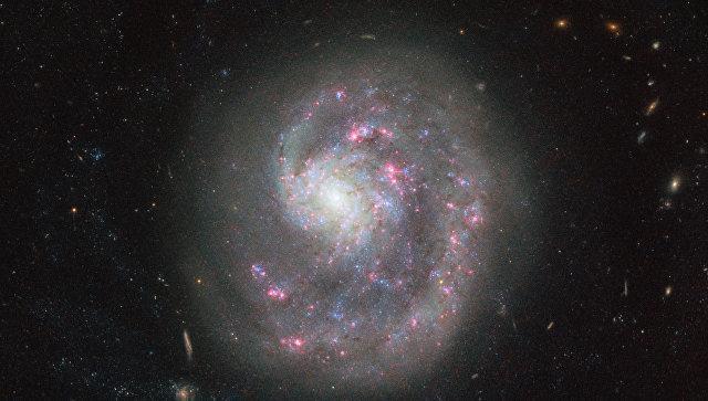 «Хаббл» сфотографировал уникальную галактику (ФОТО)