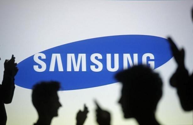 Samsung анонсировала раскладываемый смартфон срекордной камерой