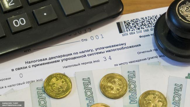 Рубль снова рухнет из-за новых санкций США, — аналитики S&P