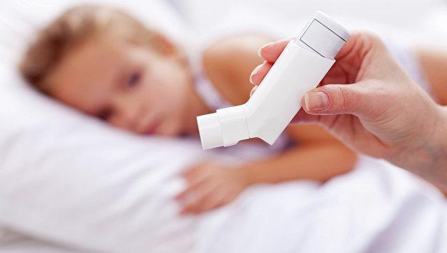Ученые раскрыли необычную связь между газировкой и детской астмой